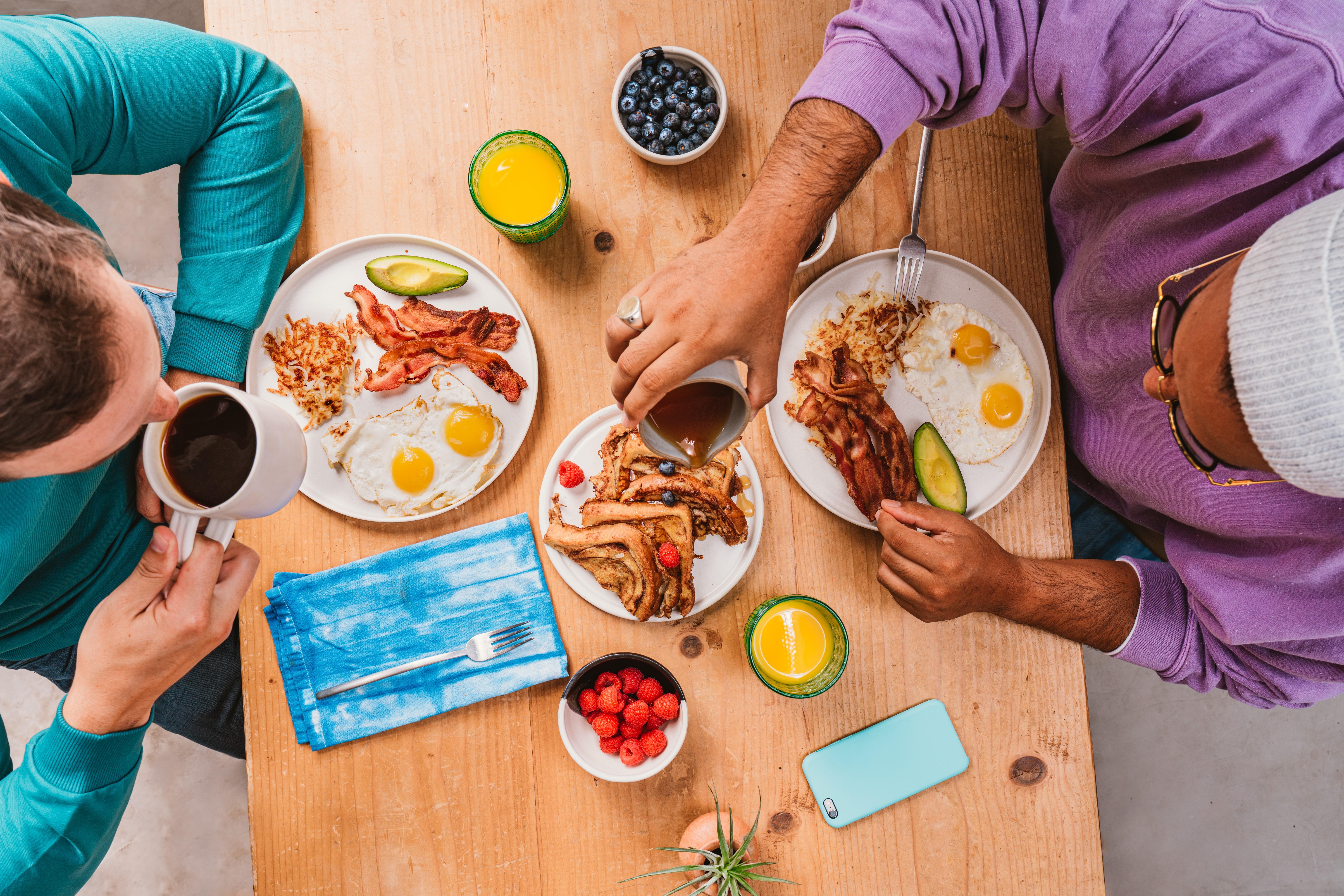 Friends eating breakfast